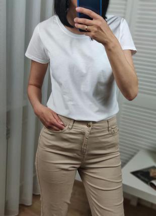 Базовая белая футболка fruit of the loom,s, можно и на xs