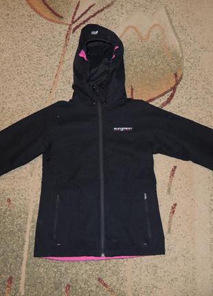 Продам фирменную демисезонную куртку everest (швеция) р.s/m