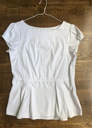Белая блуза приталенная