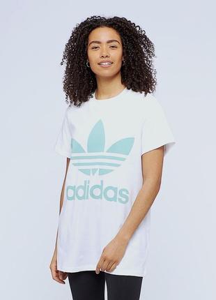 Шикарна нова футболка adidas з біг лого