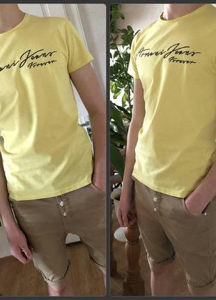 Яркая футболка armani jeans р. s