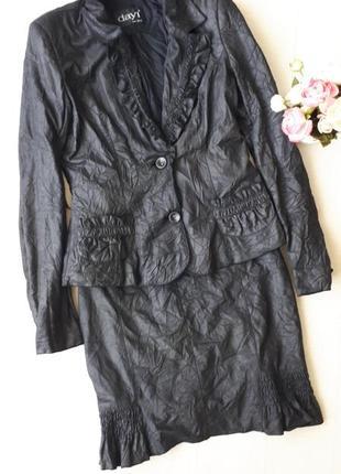 Жатый костюм пиджак и юбка