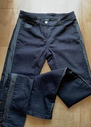 Черные джинсы штаны брюки мом mom с кожаными лампасами высокая посадка