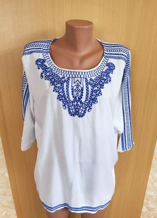 Красивая белая блуза из вискозы с вышивкой / вышиванка
