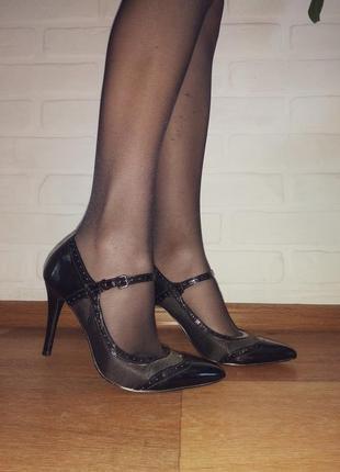Женские туфли bandolino