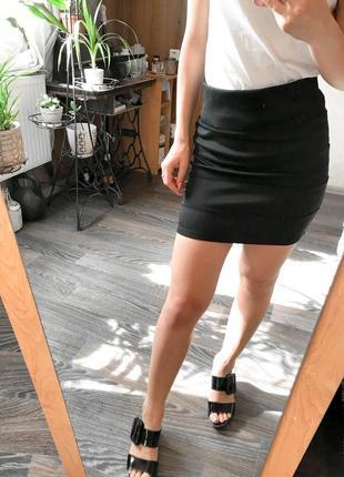 Прекрасного качества дорогая брендовая юбка