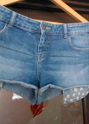 Короткі джинсові шортики