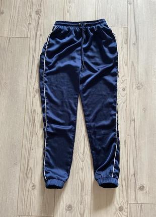 Спортивные атласные штаны джоггеры