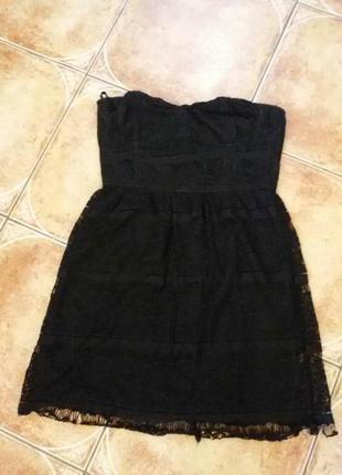 Круживное черное маленькое платье