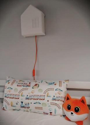 Декоративна наволочка на подушку в дитячу кімнату