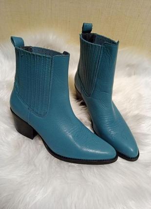 Кожаные женские ботинки ботильоны казаки