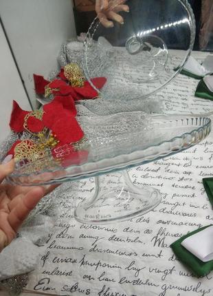 Вишукане скляне блюдо для фруктів чи десертів на скляній ніжці