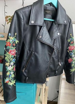 Куртка косуха reserved с вышивкой
