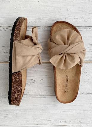 Женские бежевые шлепки {шлепанцы, шлёпки, сандалии, тапки} с бантом
