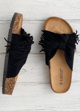 Женские черные шлепки {шлепанцы, шлёпки, тапки, сандалии} с бахромой