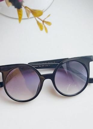 Круглі сонцезахисні окуляри