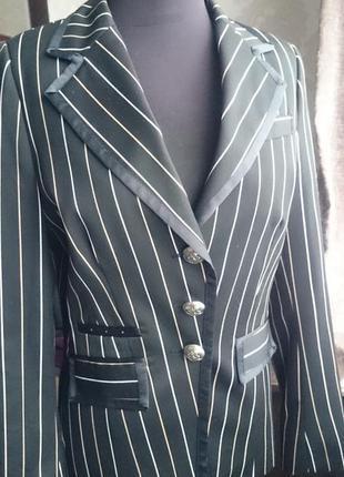 Очень стильный пиджак жакет
