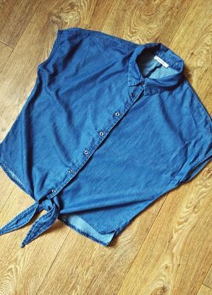 Летняя джинсовая блуза с узлом