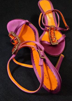 Karen millen 38 нарядные босоножки на каблуке с камнями