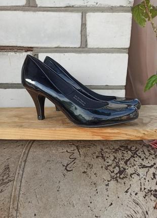 Туфли лаковые лодочки