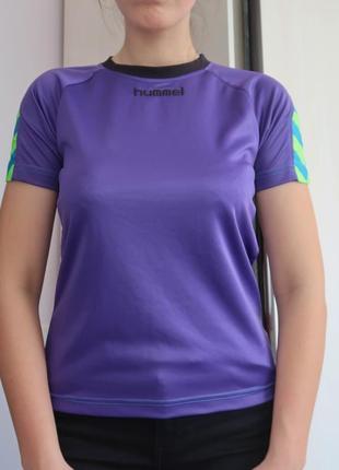 Спортивная футболка фиолетовая hummel