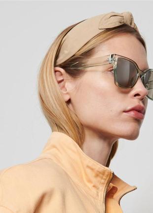 Женские солнцезащитные очки актуальной формы reserved * есть нюанс