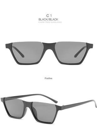 Полуободковые прямоугольные черные солнцезащитные очки с серой дымчатой линзой3 фото