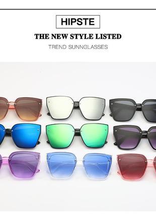 Солнцезащитные черные очки-трапеции с дымчатой линзой-накладкой4 фото