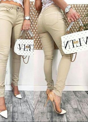 Женские весенне-летние джинсы