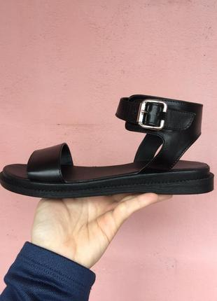 Сандалии кожа. сандалии лето. чёрные сандалии кожа. сандалии открытые.