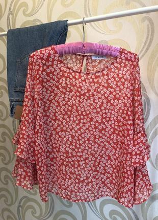 Блуза в цветочный принт с оборками asos h&m zara mango