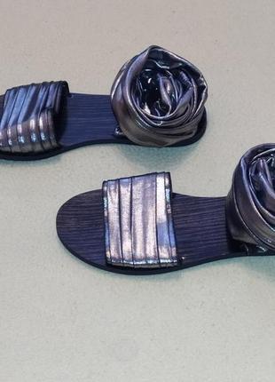 Стильные босоножки-гладиаторы от bronx