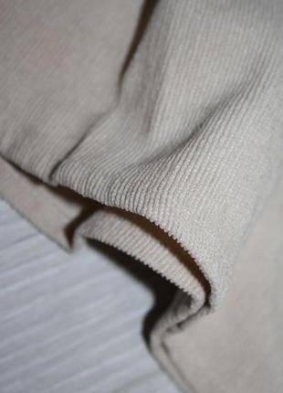 Вельветовое бежевое платье с бантиком3 фото
