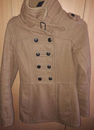 Пальто от bershka