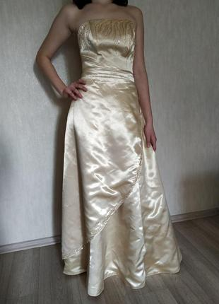 Вечернее платье ручной работы с бисером