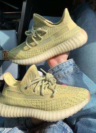 Крутые женские кроссовки adidas yeezy boost полностью рефлективные