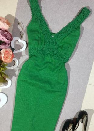 Красивое котоновое платье по фигуре