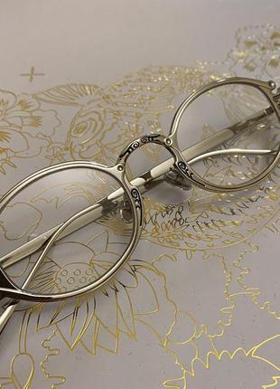 Овальные имиджевые солнцезащитные очки