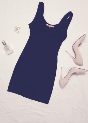 Черное мини платье bershka
