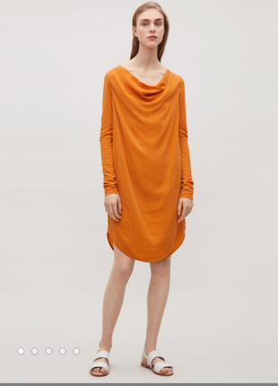 Cos платье