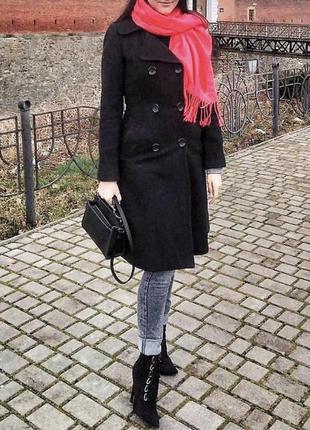 Гарне якісне чорне пальто н&м