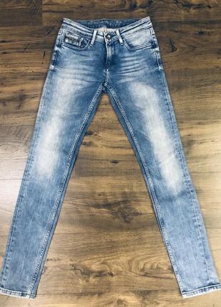 Продам джинсы calvin klein