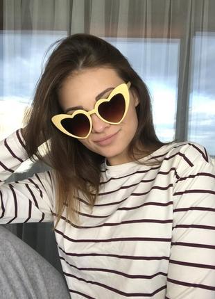 Солнцезащитные очки сердечки женские