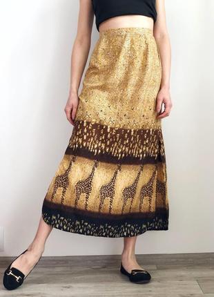 Легенькая юбка миди с разрезами в принт сафари