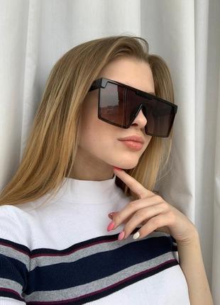 Стильные очки маска