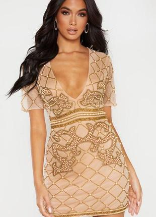 Красивое вышитое бисером бусинами платье цвета нюд prettylittlethings