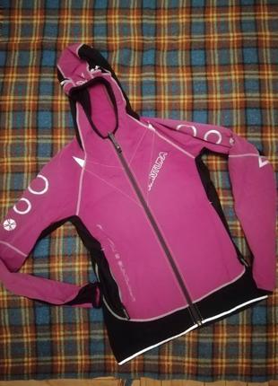 Куртка для бігу від італійського виробника montura