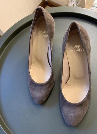 Замшевые классические туфли лодочки