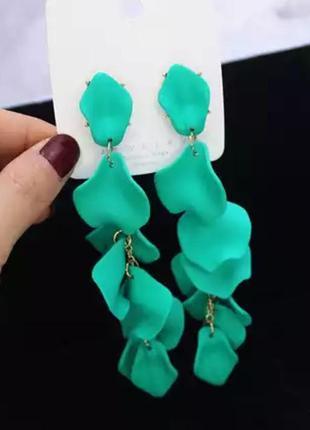 Серьги зелёные яркие стильные в стиле zara