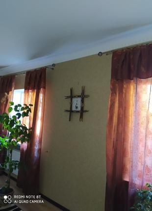 """Штора """"хамелеон"""" на 2 окна 4 полосы шириной 1,25 см высотой 2,40 см."""